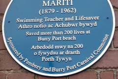 Jack Mariti Plaque Now installed in the Harbour